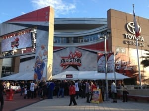 All-Star games in the NBA have become nothing more than a glorified pick-up game./Victor Araiza
